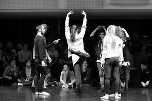 Kaszner Nikolett - Ki vagy te kortárs tánc