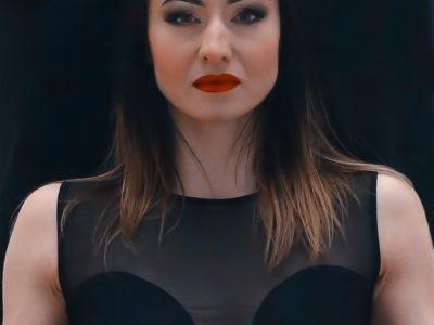 Dusha Béla: Szarvas Krisztina